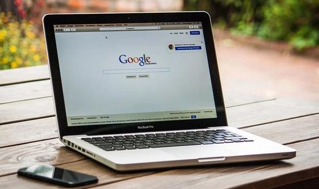 image of laptop w/Google update screen