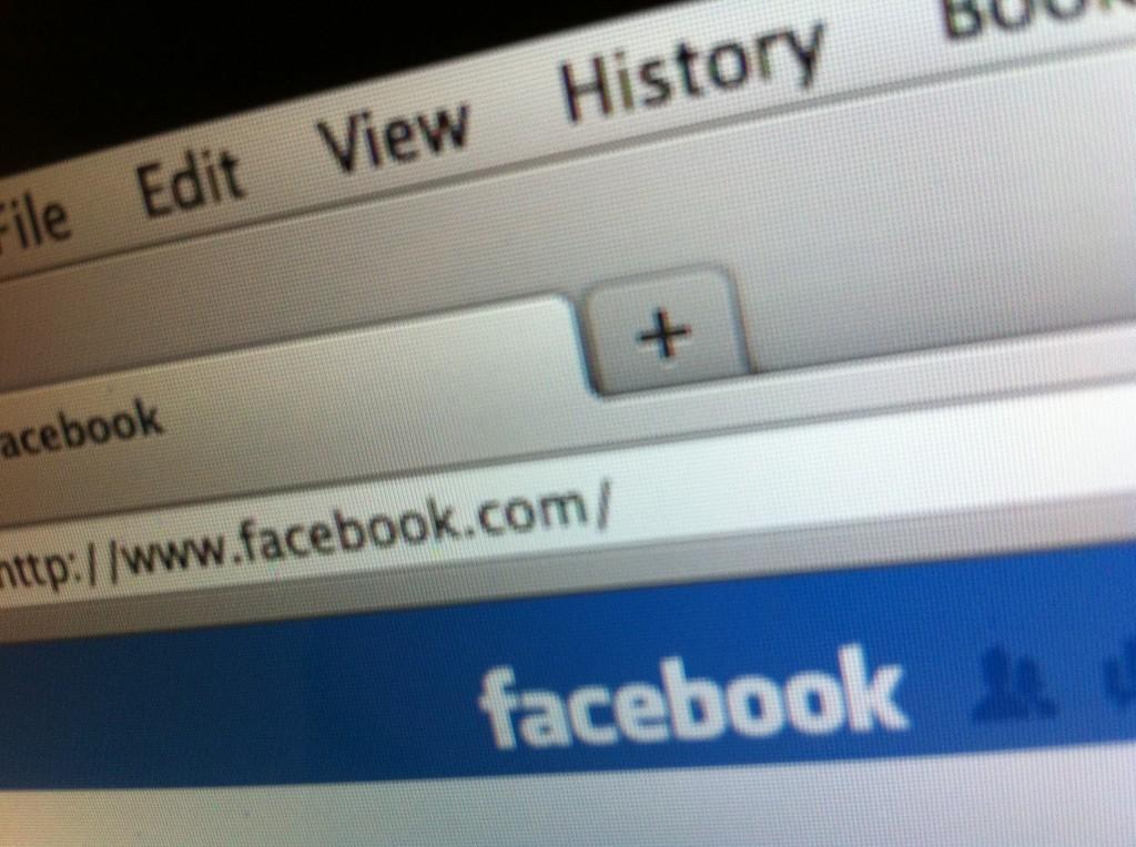 Facebook facts Sean Parker pays $200000 for facebook.com URL