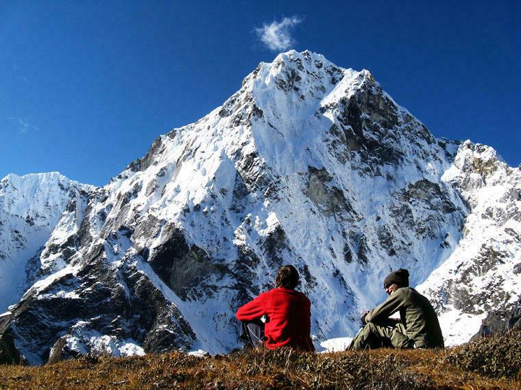Keyword search volume climbers facing a huge mountain